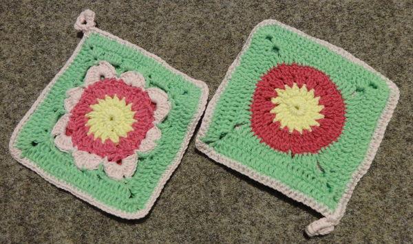 Topflappen mit Blüte und rosa Rand