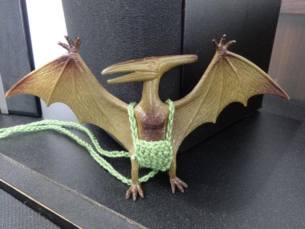 Flugsaurier mit Hose